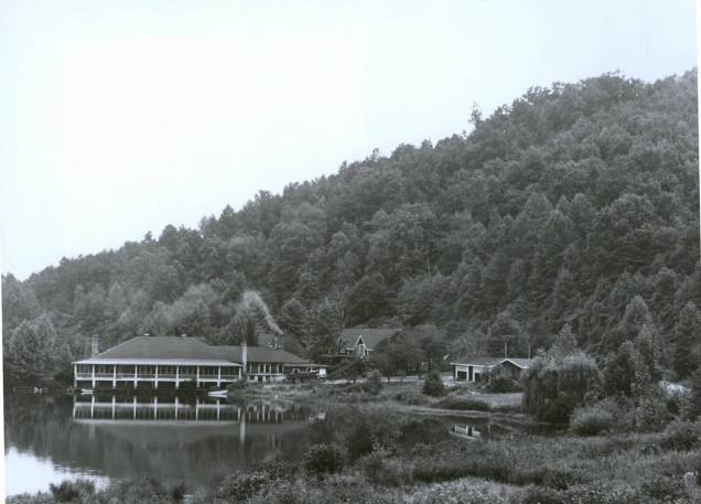 Dining_Hall_and_lodges_Lake_Eden_Campus_Black_Mountain_College