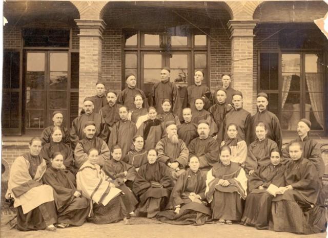 Hudson-Taylor-CIM-missionaries-pix-1-1024x745