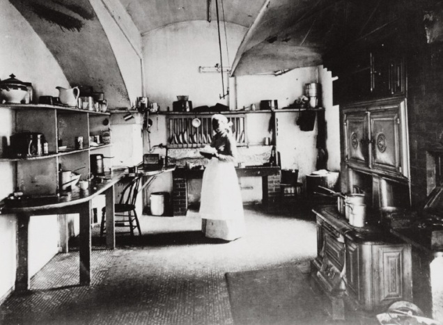 white_house_kitchen_circa_1890