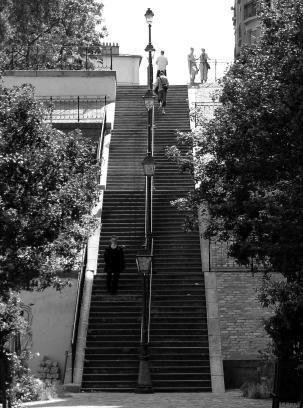 p1260996_paris_xviii_rue_du_mont-cenis_bw_rwk
