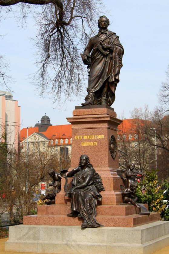 Mendelssohn_Statue_Thomaskirche